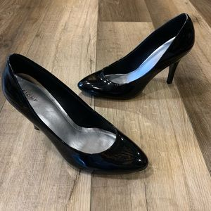 Fioni Black Pointed Toe Pump Heels Size 7.5